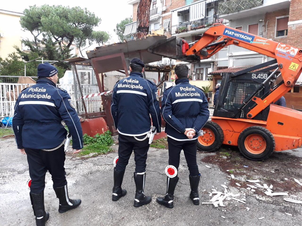 Rione Traiano, lo Stato si riprende spazi occupati abusivamente