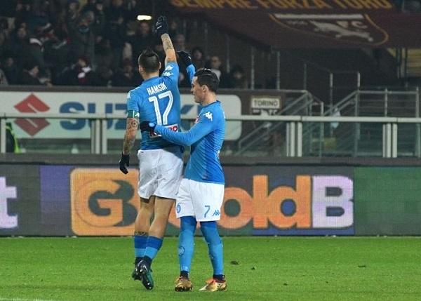 Il Napoli sbanca Torino e torna primo, Hamsik gol eguaglia Maradona