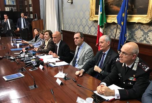 Emergenza baby gang a Napoli, Minniti vuole risolverla con 100 agenti in più