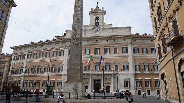 Campania, un esercito di candidati per il Parlamento