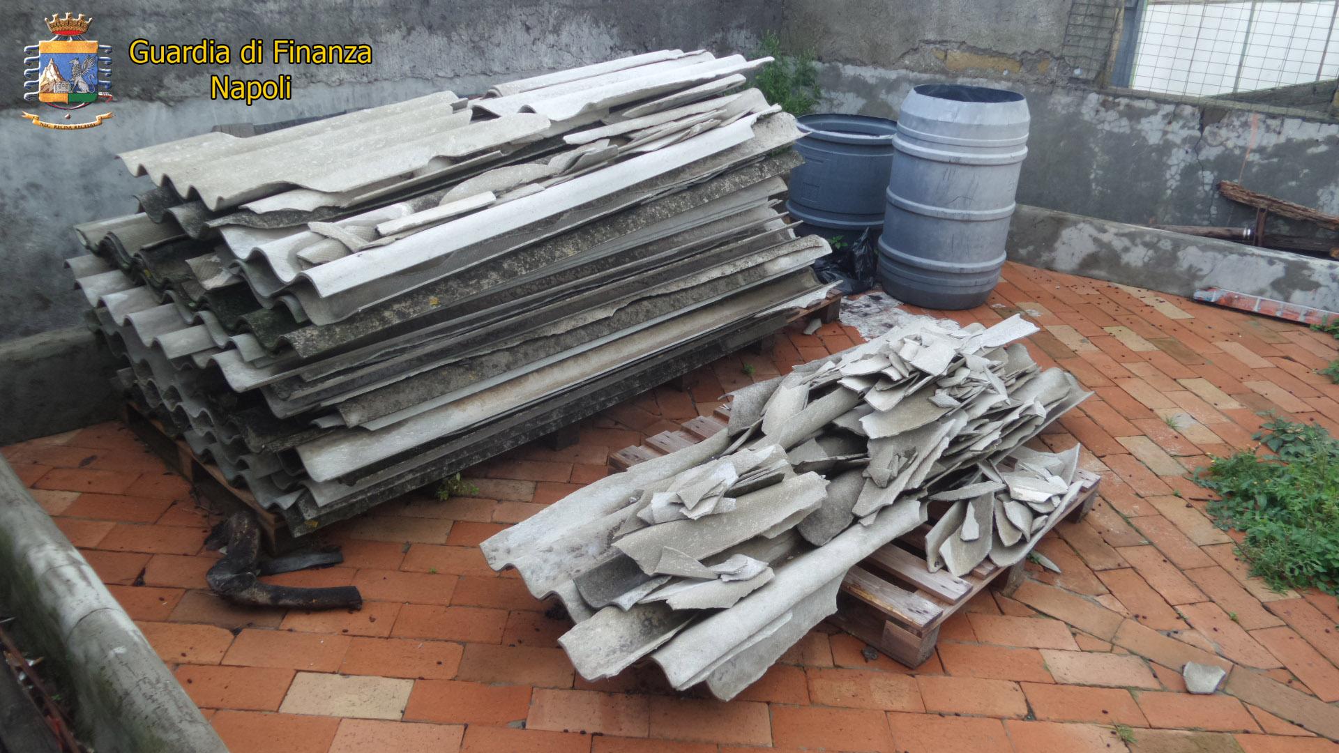 Torre del Greco: I finanzieri sequestrano 9 quintali di amianto