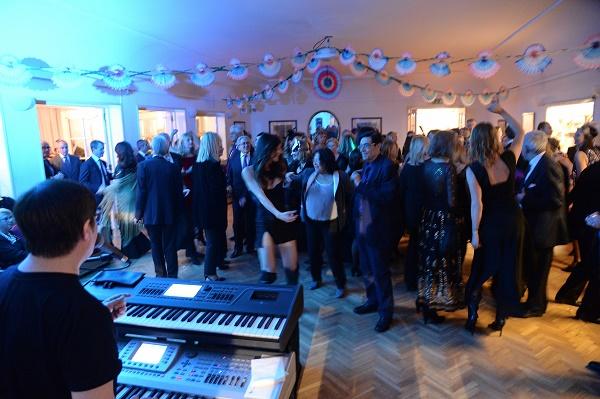 Lilt Napoli, in 400 al Carnival party benefico