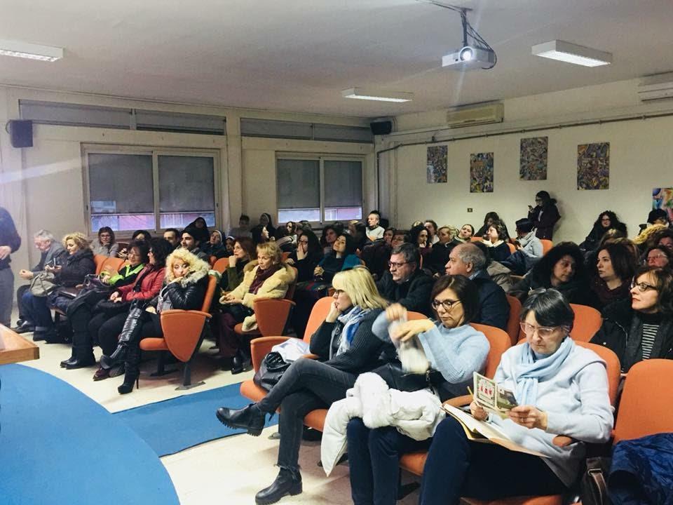 """Liceo Manzoni, Caserta: """"Dare solidarietà anche all'ultimo della classe"""""""
