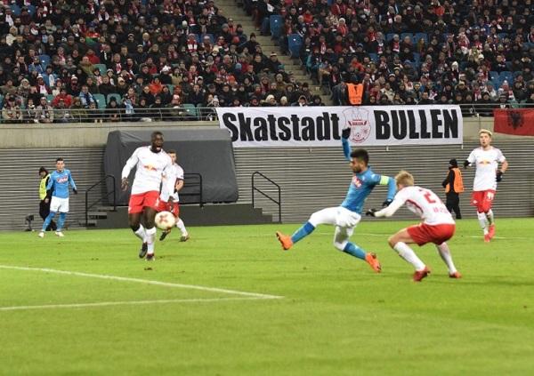 Europa League, il Napoli sfiora l'impresa: a Lipsia fuori a testa alta