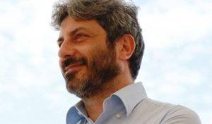 Roberto Fico attacca Salvini,  difende de Magistris e Centri Sociali