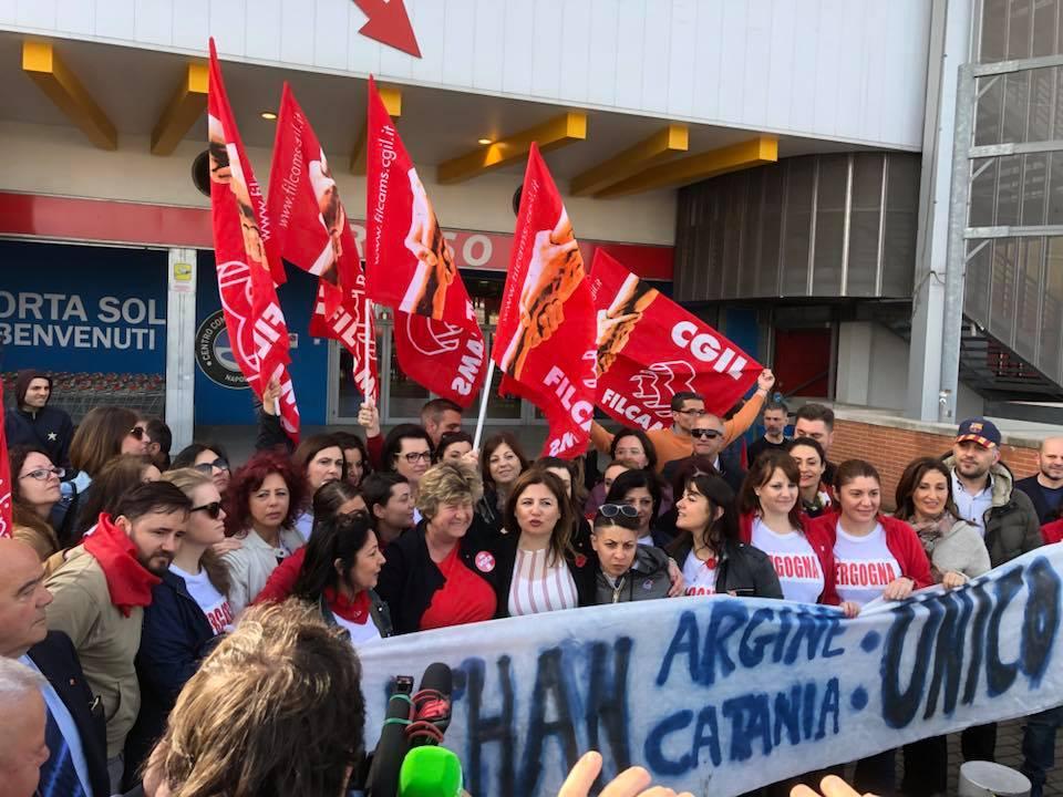 """Napoli, i lavoratori Auchan incontrano Susanna Camusso: """"Non ci deluda"""""""