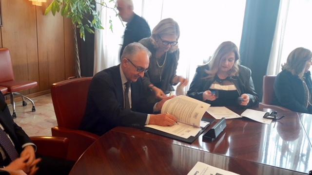 Caserta, progetto scuola e lavoro: firmato protocollo