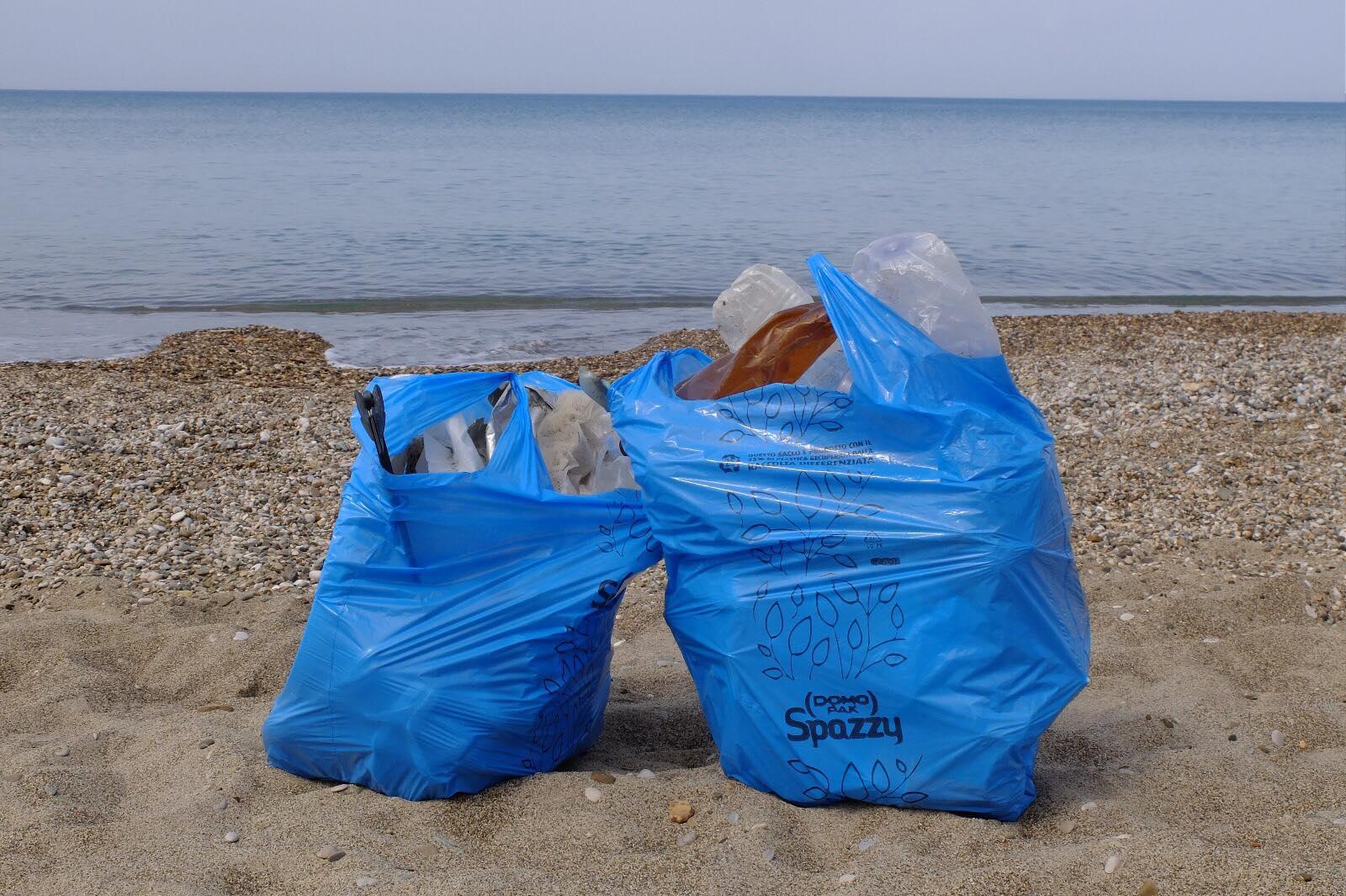 Campania: mare, spiagge e rifiuti