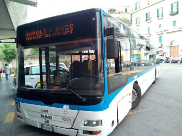 Napoli: grave guasto pullman Eav, sfiorata la tragedia