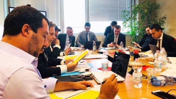 Salvini e Di Maio vogliono rinegoziare i trattati, arrivano i veti di Bruxelles