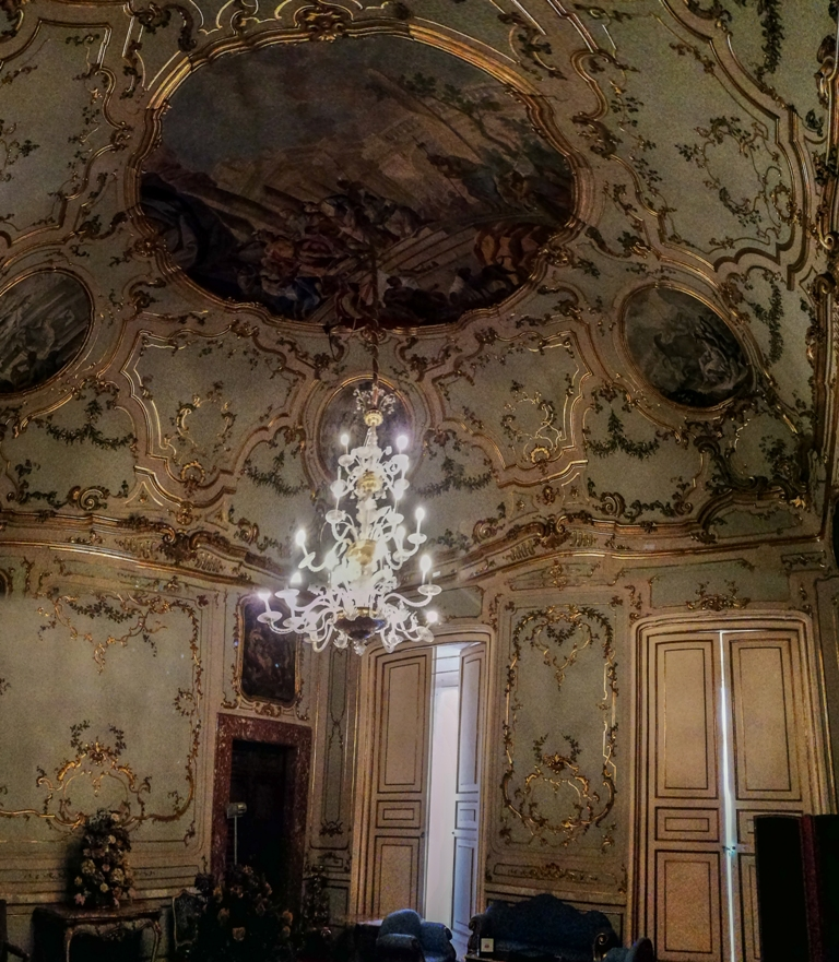 Napoli, Palazzo Serra di Cassano apre le porte