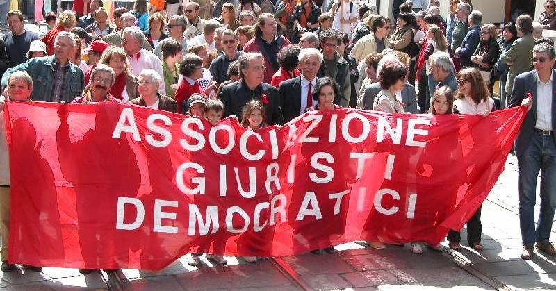 """Giuristi Democratici: """"Non condividiamo i veti di Mattarella"""""""