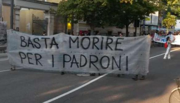Napoli, carcere di Secondigliano, operaio cade da una scala e muore