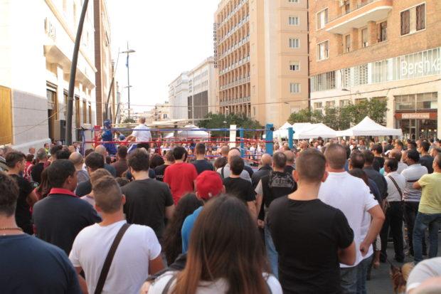 Napoli, arriva la boxe in piazza