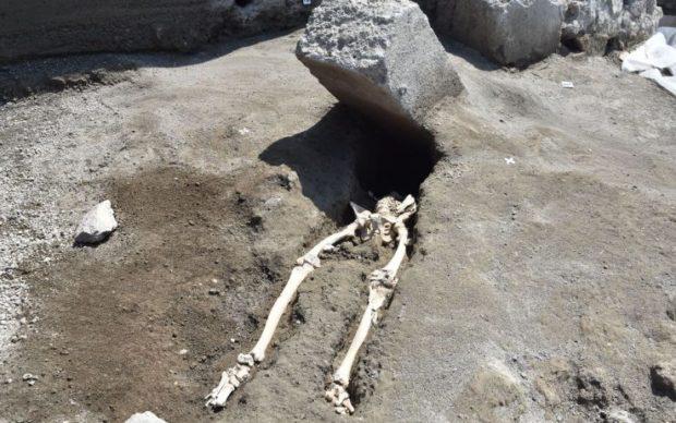 Pompei, ritrovato scheletro di trentenne colpito dalla lava