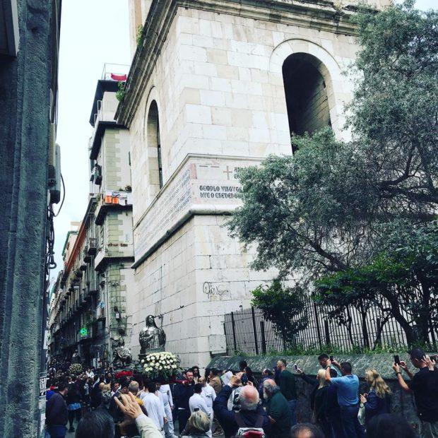 Napoli, 3 mila persone in processione per San Gennaro