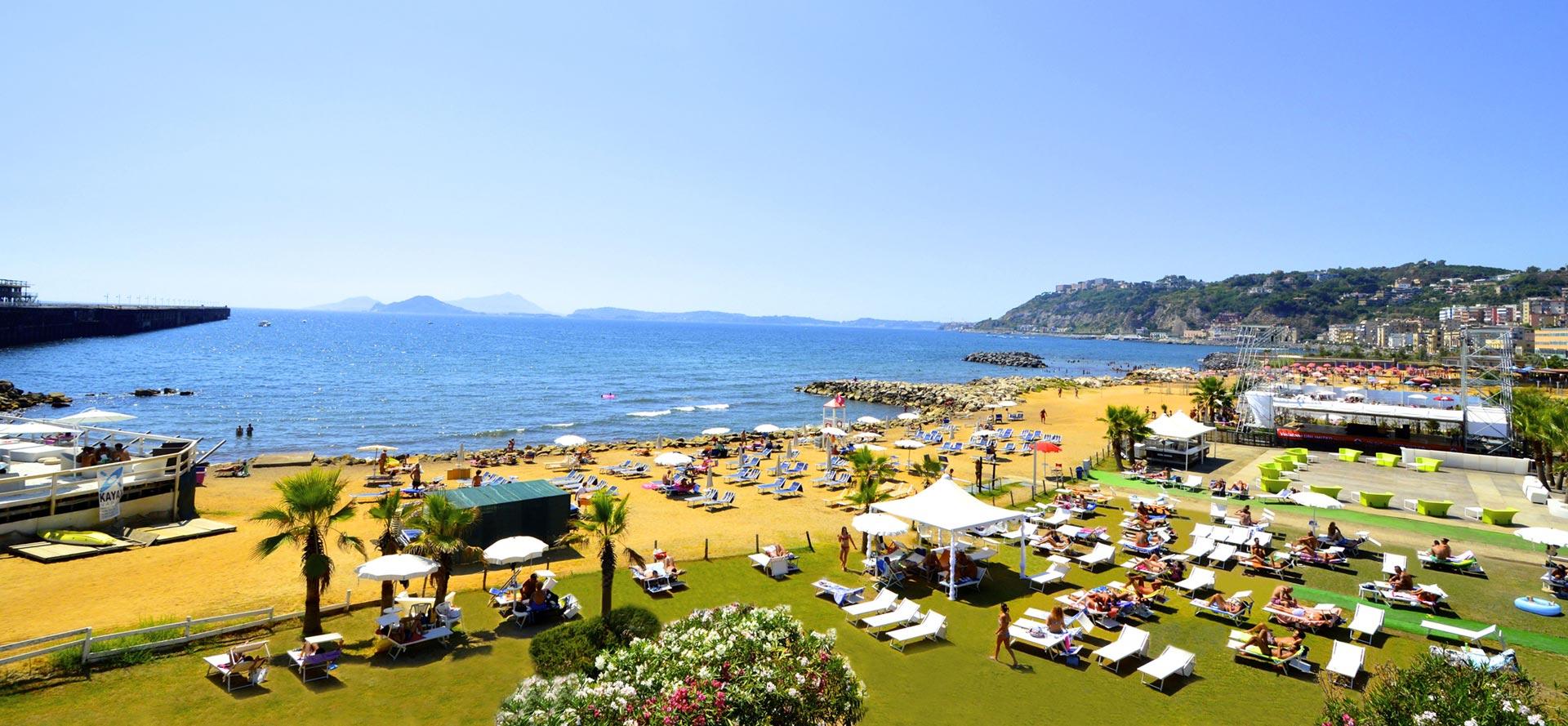 Napoli, Bagnoli: i comitati mettono il veto, de Magistris annulla la festa all'Arenile