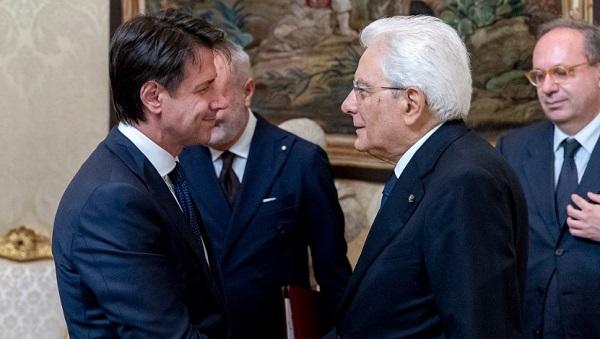 Via al governo Conte: 18 ministri, Di Maio e Salvini vice premier