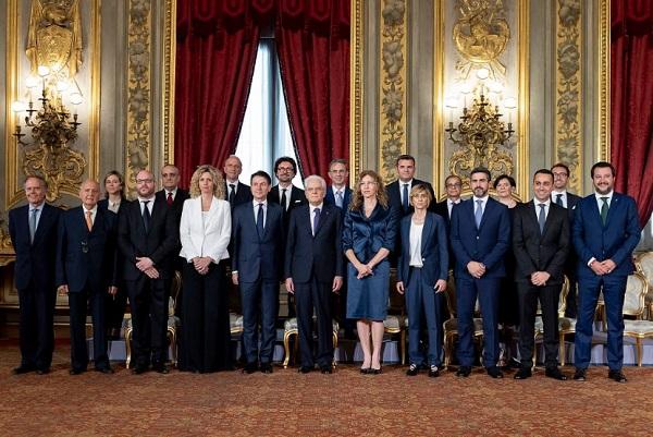 Giura il governo Conte, primo cdm a Palazzo Chigi