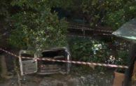 Napoli, auto vola da 21 metri a Posillipo: stazionari i 4 feriti