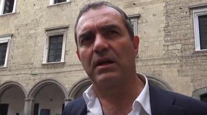 """Napoli, de Magistris:""""doppio No a De Luca e al referendum"""""""