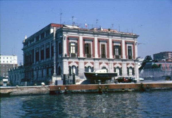 Porto di Napoli: Presutto (M5S), per Autorità anticorruzione appalti discutibili