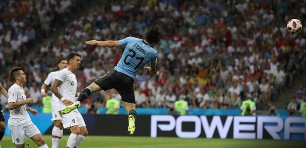 Super Cavani fa fuori CR7, avanti l'Uruguay