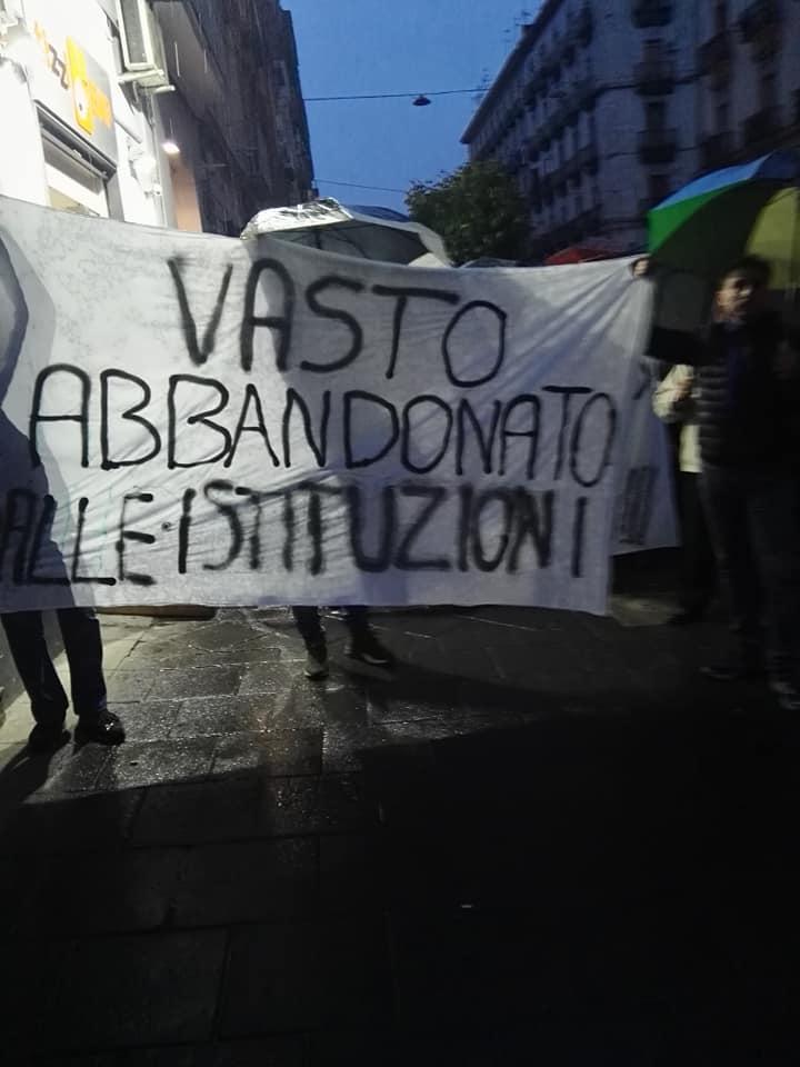 """I cittadini del quartiere Vasto scrivono a de Magistris: """"Situazione intollerabile, siamo barricati in casa"""""""