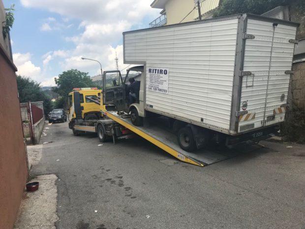Caserta, San Clemente: sequestrati tre veicoli utilizzati per sversamento illegale di rifiuti