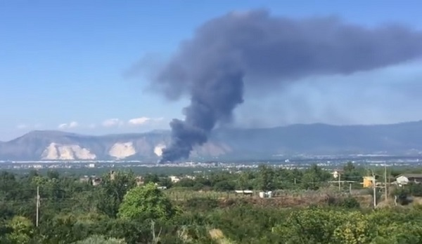 San Vitaliano, ecoballe a fuoco: si teme disastro ambientale