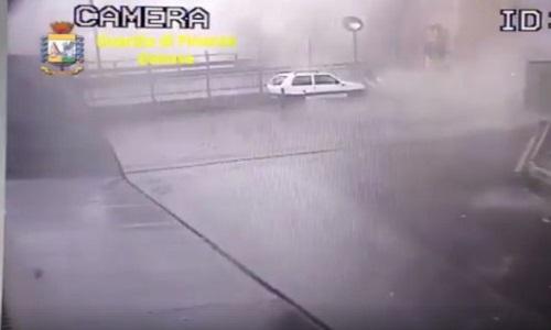 Ponte Genova, spunta il video al momento del crollo