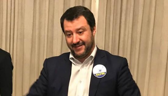 Nave Diciotti, Salvini indagato per sequestro di persona
