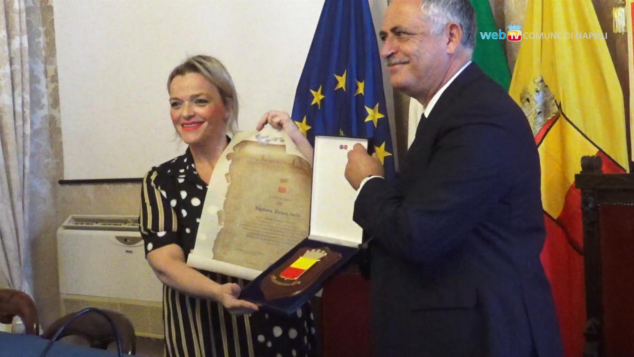 Napoli, premiata la pizzaiola artista