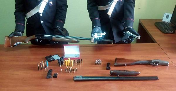 Armi illegali in officina, arrestati due fratelli incensurati ad Ercolano