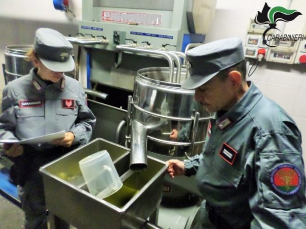 Controlli dei carabinieri: sequestrate decine di tonnellate di olio