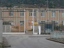 Campania, scoppiano le carceri: 7700 detenuti, tasso record di sovraffollamento