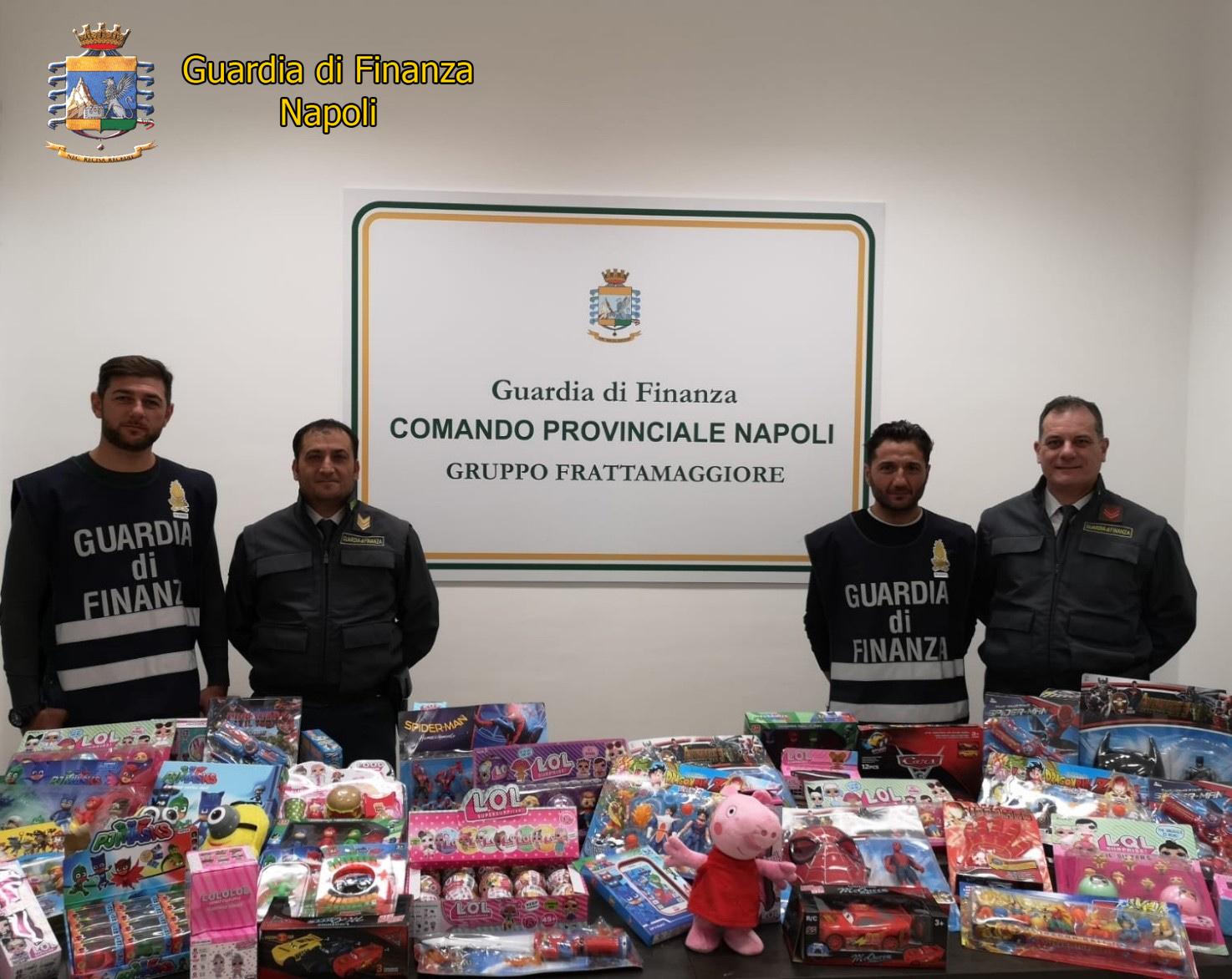 Napoli, la Guardia di Finanza sequestra 25 milioni di giocattoli contraffatti