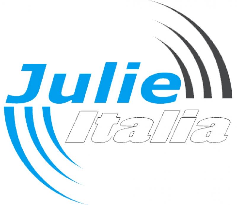 Napoli, la Guardia di Finanza negli studi di 3 emittenti televisive: 4 arresti per truffa