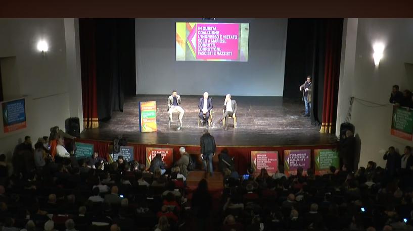 Roma, Teatro Italia: De Magistris lancia la coalizione 'Arlecchino' fa flop e rimane solo