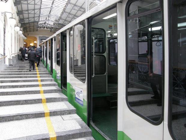 Napoli, Procura indaga sui lavoratori assenteisti delle funicolari e Linea 1 Metropolitana
