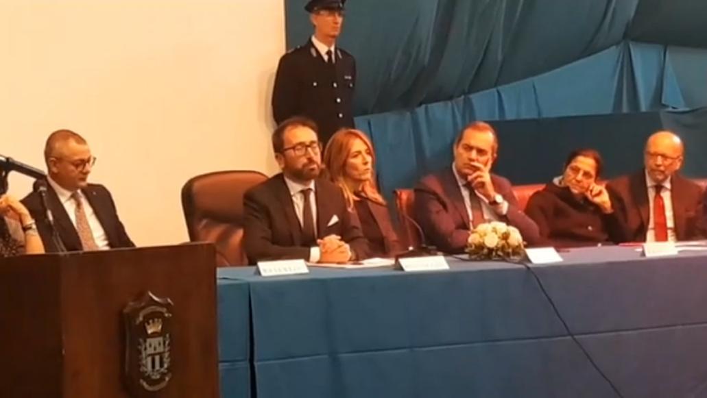 """Napoli, il ministro della Giustizia Bonafede: """"Con il lavoro si recuperano i detenuti"""""""