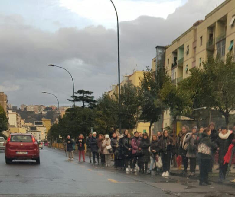 Napoli, la protesta dei lavoratori Anm e i disagi per i pendolari