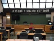"""Coronavirus, protestano avvocati di Santa Capua Vetere:""""basta restrizioni, aprite il Tribunale"""""""