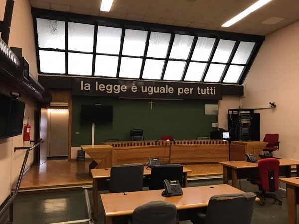 Napoli, pioggia di assoluzioni al maxi processo Casapound