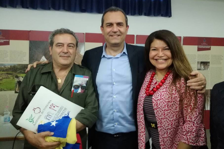 Venezuela, de Magistris pensa alle elezioni e ignora il Colpo di Stato