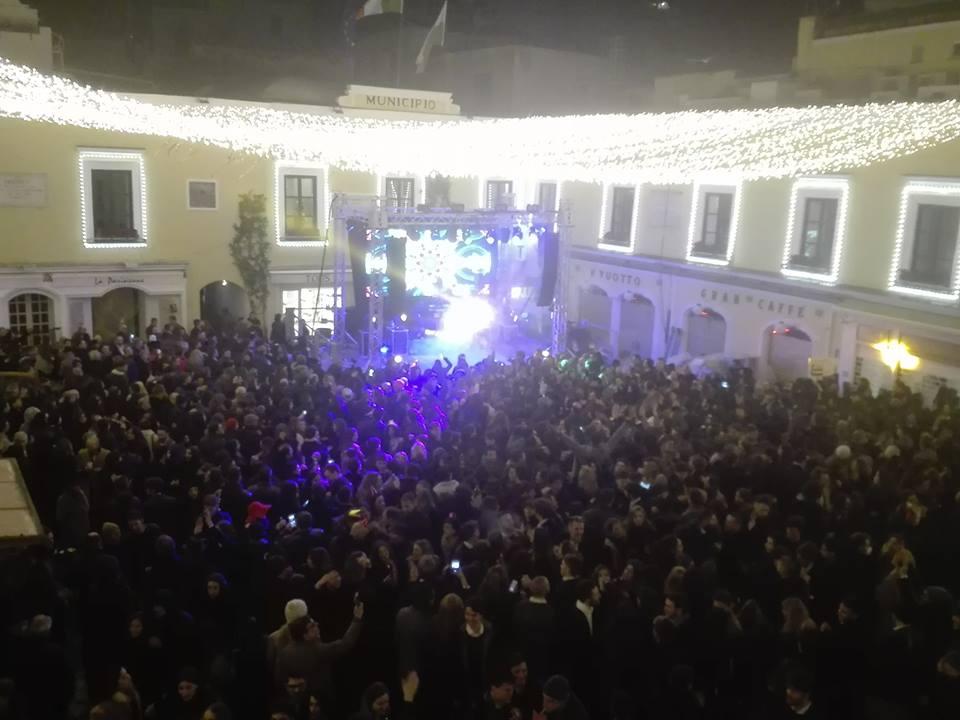 Capri, flop spettacolo fine anno: il sindaco chiede risarcimento agli organizzatori