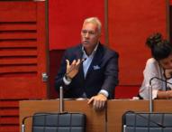"""""""Fuori luogo"""" l'iniziativa di de Magistris davanti a Montecitorio"""