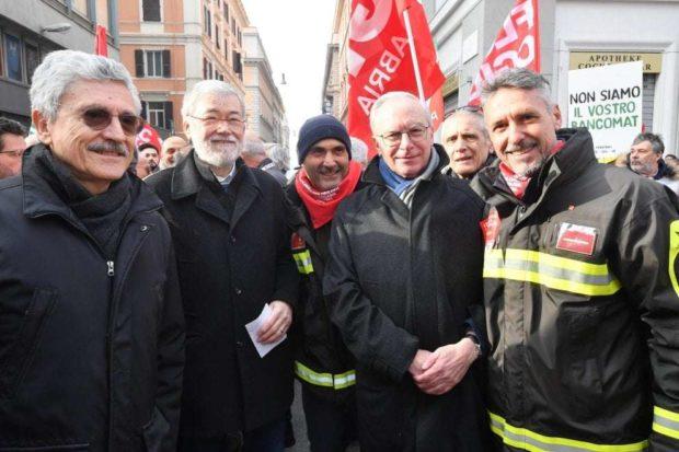 Roma:  sindacati, industriali e Pd uniti in piazza contro reddito di cittadinanza