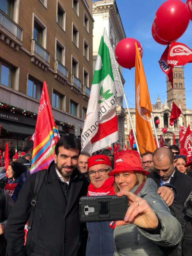 """Sindacati, Potere al Popolo: """"Non scenderemo mai in piazza con i padroni"""""""