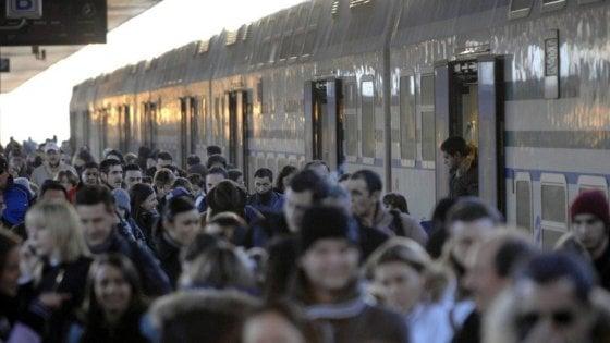 Napoli: il calvario dei pendolari, in ritardo il 39% dei treni